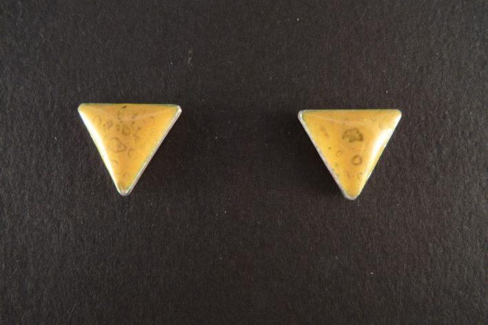 Les Cayennes - Boucles d'oreilles triangles émaillées sur argent 925